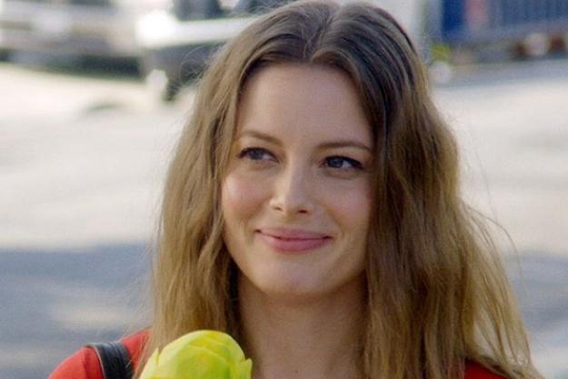 bella thorne dating girl